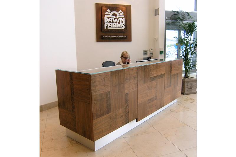 Reception Desk Walnut - Grain Pattern