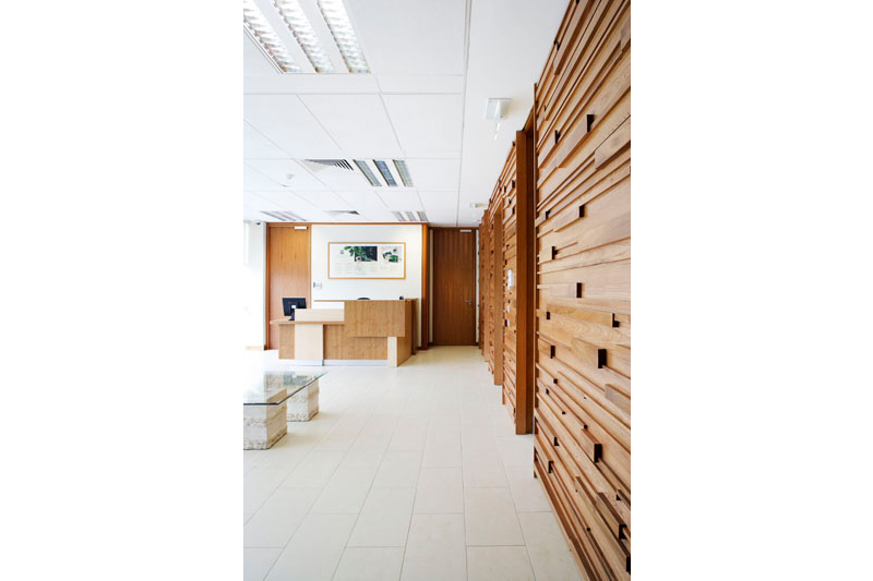 Bespoke Wall Cladding in Solid Elm